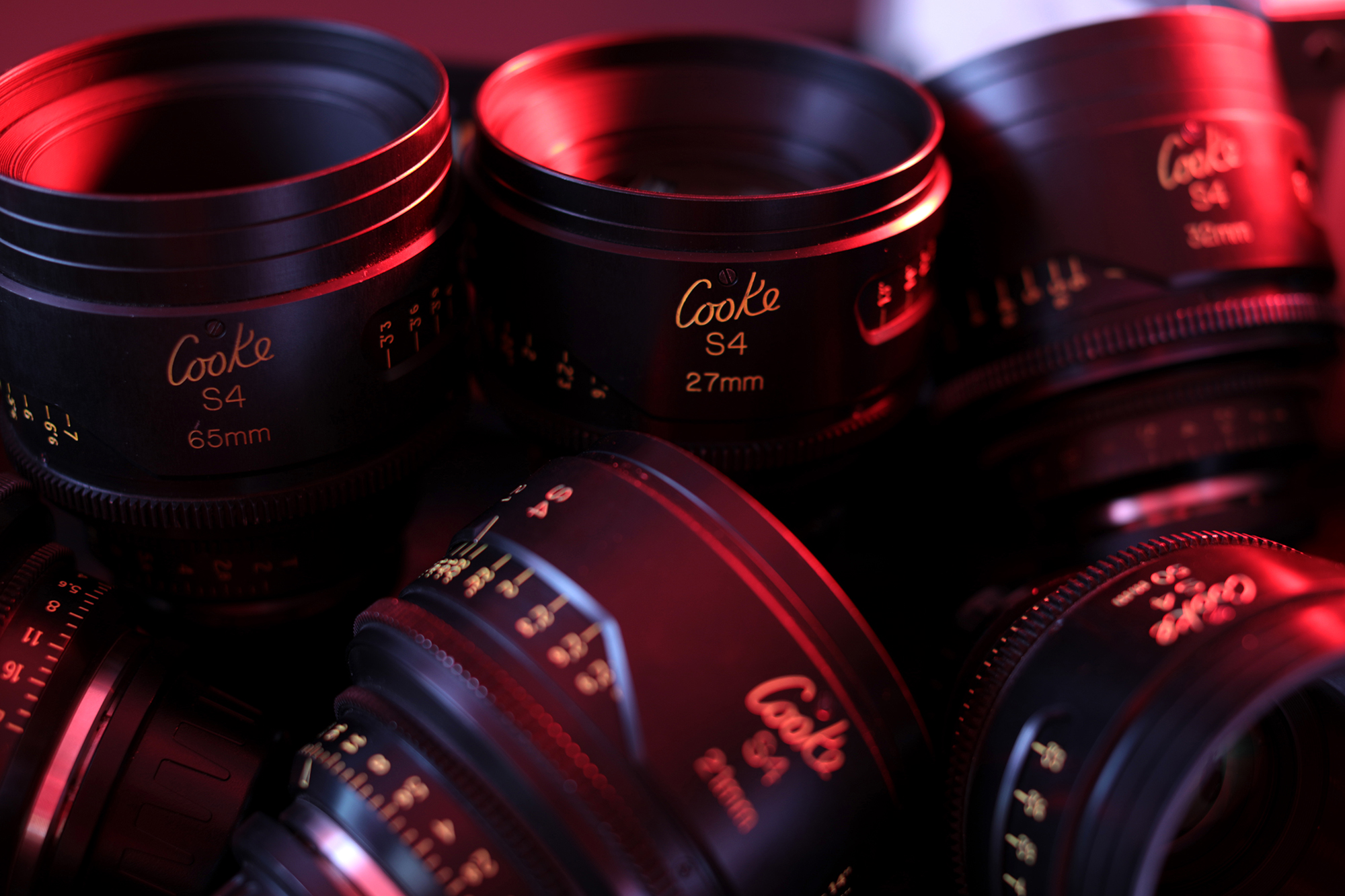 Cooke S4 red